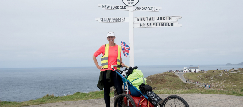 Jogle challenge raises over £6,000 for hospice